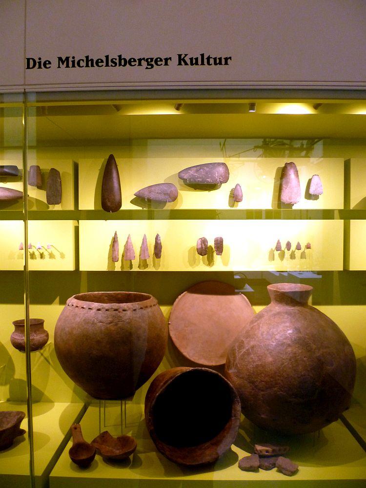 Die Typologie der objekte der Michelsbergerkultur. Steinwerkzeuge und Keramik.