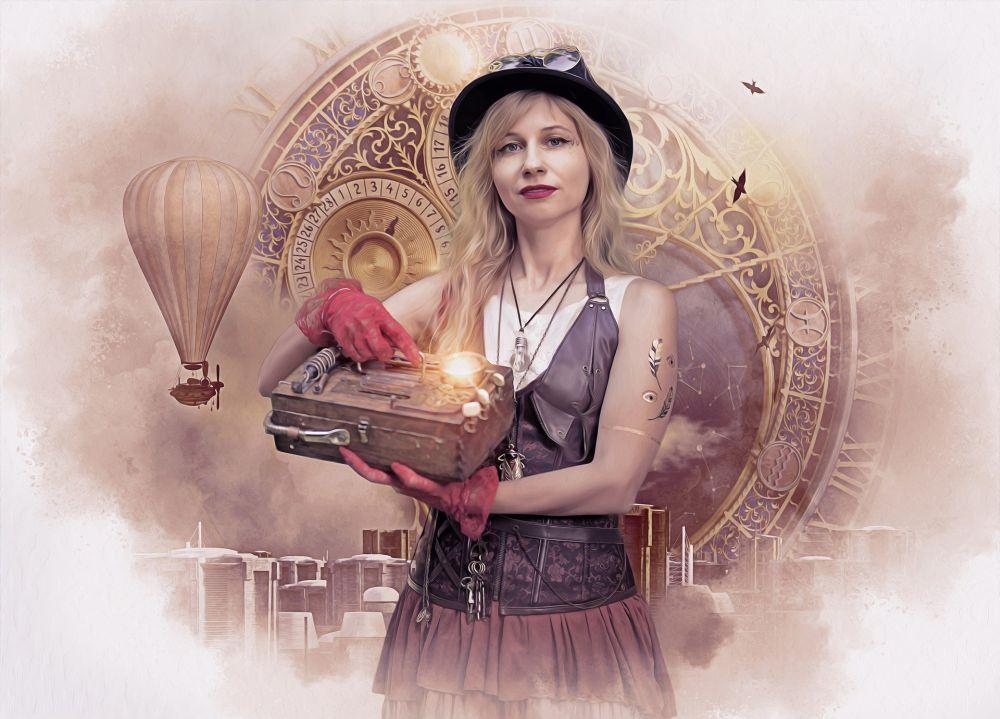 Eine Frau vor einem Hintergrund mit einem Ziffernblatt neben einem Heisluftballon, die Frau trägt einen Hut und eine Fliegerbrille, um den Hals hat sie eine Kette mit einer Glühbirne. Mit roten Handschuhen hält sie einen Kasten aus Holz, an dem eine Lampe leuchtet. Sie hat blondes Haar und trägt eine braune Ledercorsage und einen roten Seidenrock.