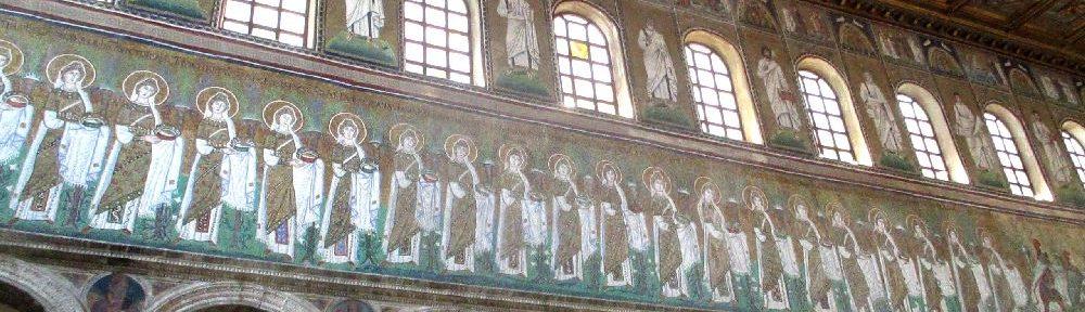 Ein Blick auf die Jungfrauen Prozession. Sie ist schier endlos Lang.