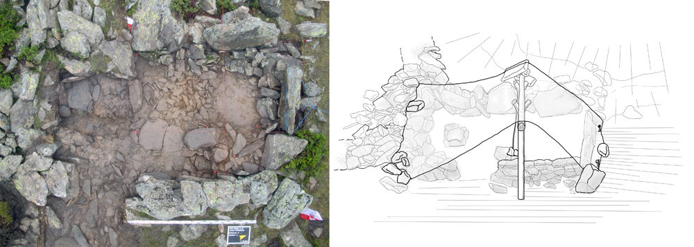 Das Foto einer Ruine einer Hütte aus der Vogelperspektive. Daneben eine Umzeichnung dieses Fundplatzes. Der Zeichnung wurde eine Idee einer Dachkonstruktion hinzugfügt.