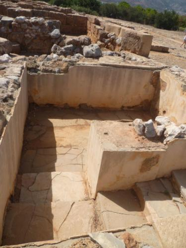Das Bad des Palastes von Malia. Es wird hier ein kultischer Hintergrund angenommen.