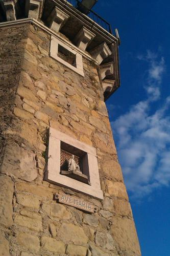 "<a href=""http://www.miss-jones.de/bildergalerie-der-hafen-von-desenzano/"">Bildergalerie der Hafen von Desenzano</a>"
