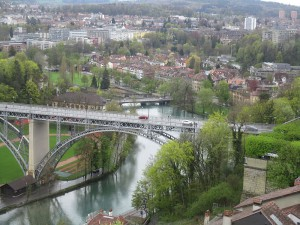 Ausblick auf eine Brücke der Aare