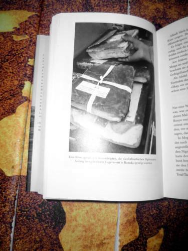 """<a href=""""https://www.miss-jones.de/2018/08/24/die-buecherschmuggler-von-timbuktu-ein-lesetipp/""""> Die Bücherschmuggler von Timbuktu</a>"""